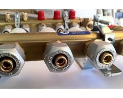 Сборный коллектор Giacomini R557FY002+